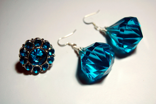 Make Costume Jewelry on the Cheap & Make Costume Jewelry on the Cheap » Dollar Store Crafts