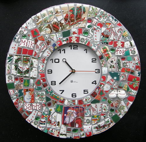 Make A Mosaic Clock Out Of Christmas Dishes » Dollar Store