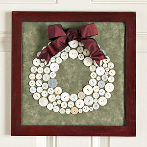 Holiday Crafts Made From Buttons http://dollarstorecrafts.com/2008/12/make-a-holiday-button-wreath-picture/