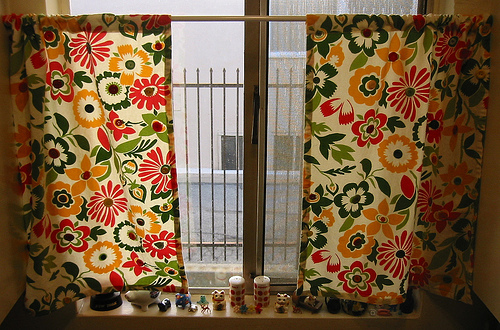 Dollar Store Crafts » Blog Archive » Make Quick Cafe Curtains With