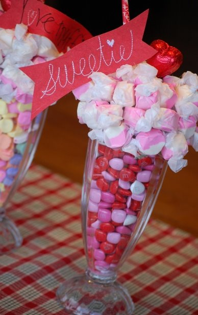 Kris at Jesse Kate Designs made this adorable Valentine's day centerpiece
