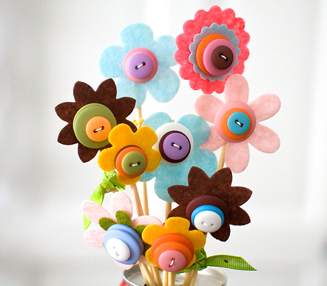 Craft Ideas  Buttons on Dollar Store Crafts    Blog Archive    Make A Buttony Spring