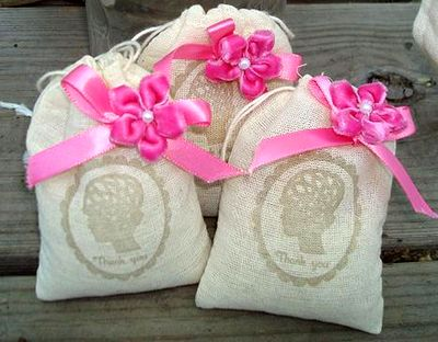 Dollar Store Crafts » Blog Archive » Roundup: Dollar Store Wedding
