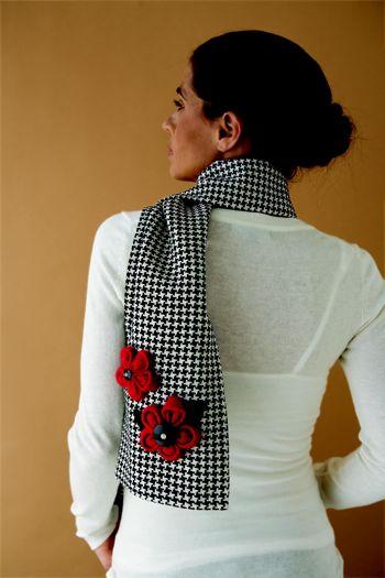 http://dollarstorecrafts.com/wp-content/uploads/2009/07/kanzashi-scarf.jpg