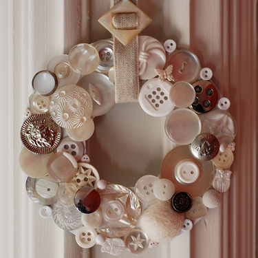 whitebuttonwreath