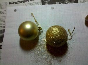 gold-glitter-ornaments