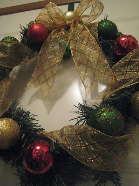 ornament-glitter-wreath