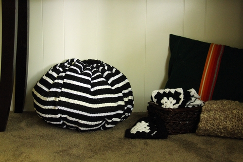 make a pouf from throw rugs  u00bb page 2 of 2  u00bb dollar store crafts