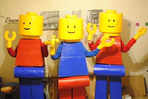 Legoboy Costume (from here) & 7 Handmade Lego Minifig Costumes » Dollar Store Crafts