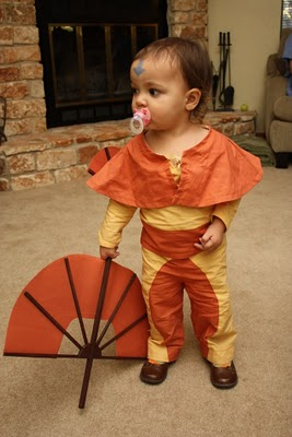 Aang the Avatar (the last Airbender) Costume by metria on Craftster  sc 1 st  Dollar Store Crafts & 25 Best Geeky Handmade Costumes » Dollar Store Crafts