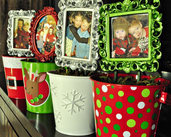 Make a Holiday Frame Topiary » Dollar Store Crafts