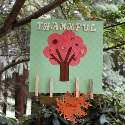 Make a thanksgiving tree memo board dollar store crafts for Thankful tree craft for kids