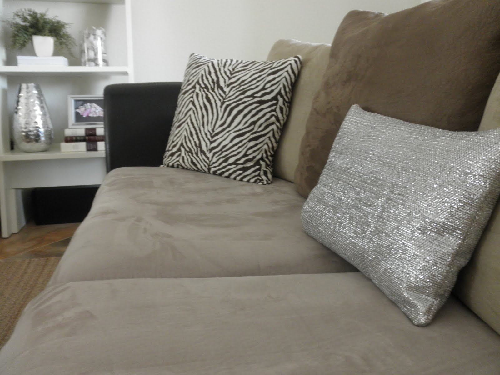 Make A Metallic Cleaning Towel Pillow 187 Dollar Store Crafts
