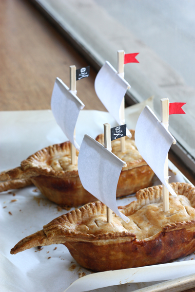 Apple Pie-rate Ship