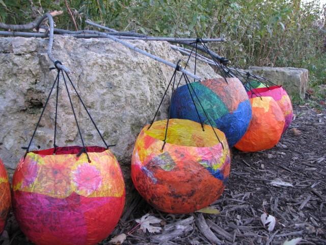 Make tissue paper balloon lanterns dollar store crafts for Papier mache lanterns