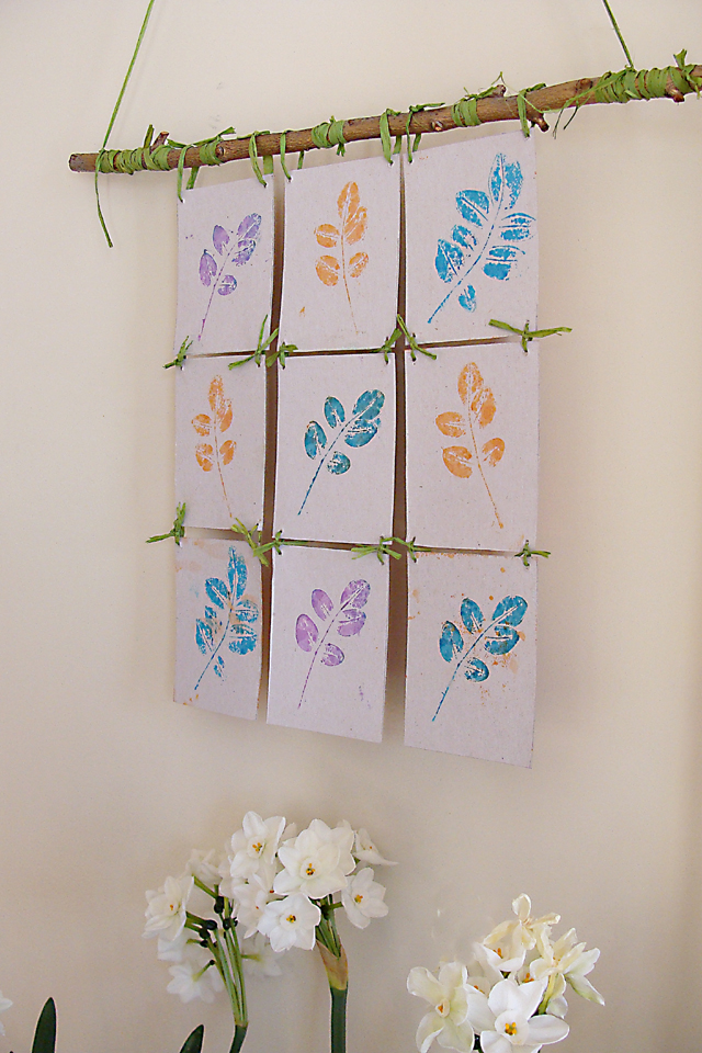 Wall Hanging Craft : Dollar Store Crafts » Blog Archive » Make a Leaf Print Wall Hanging