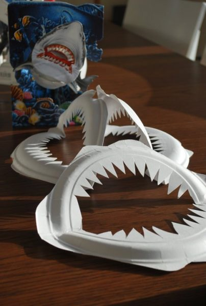 Paper-plate-shark-teeth-404x599