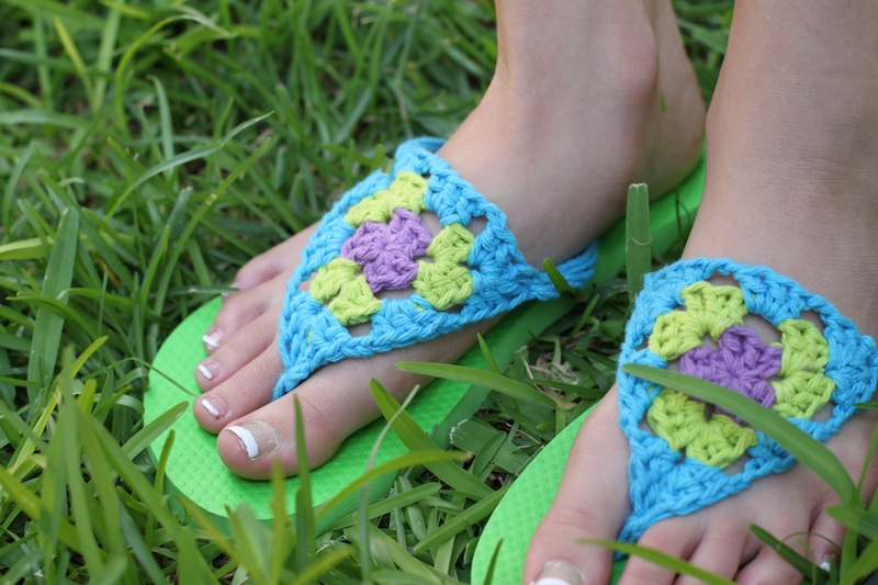 Crochet Patterns Using Flip Flops : Redo a Pair of Flip Flops with Crocheted Granny Triangles ...