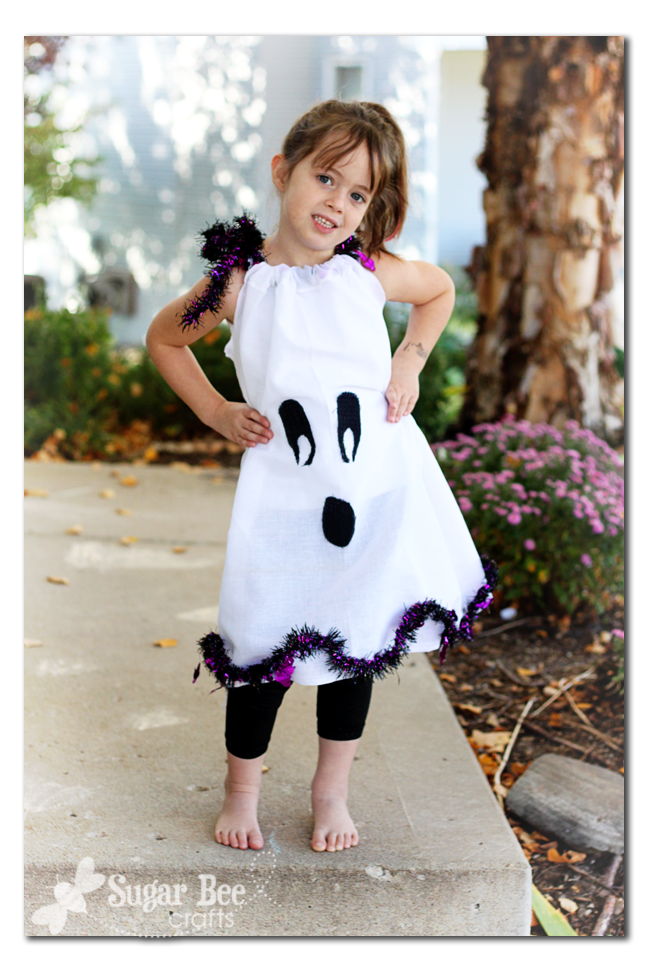 "Tutorial: Ghost Pillowcase Dress Costume "" Dollar Store Craf"