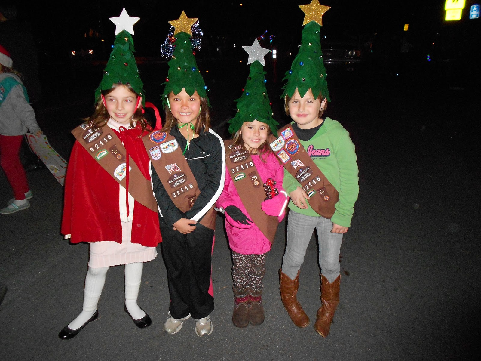 Make A Christmas Tree Elf Hat Dollar Store Crafts