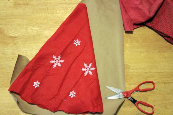 make a christmas tree skirt template