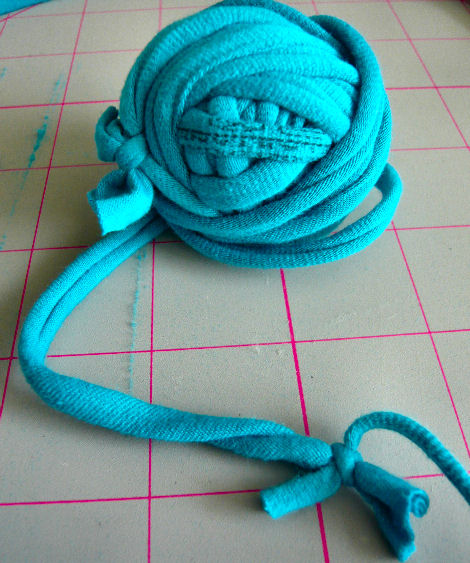 knotted t-shirt yarn