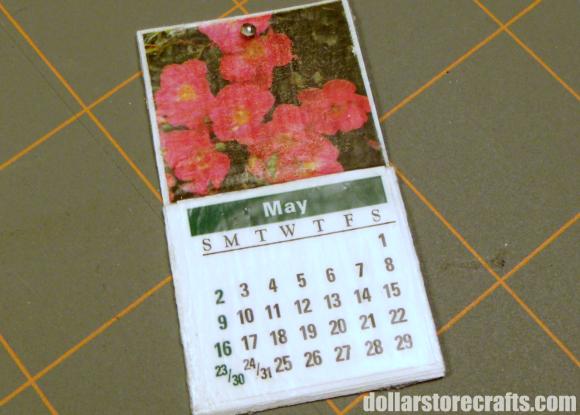 Dollhouse Photography Calendar : Make a miniature dollhouse calendar dollar store crafts