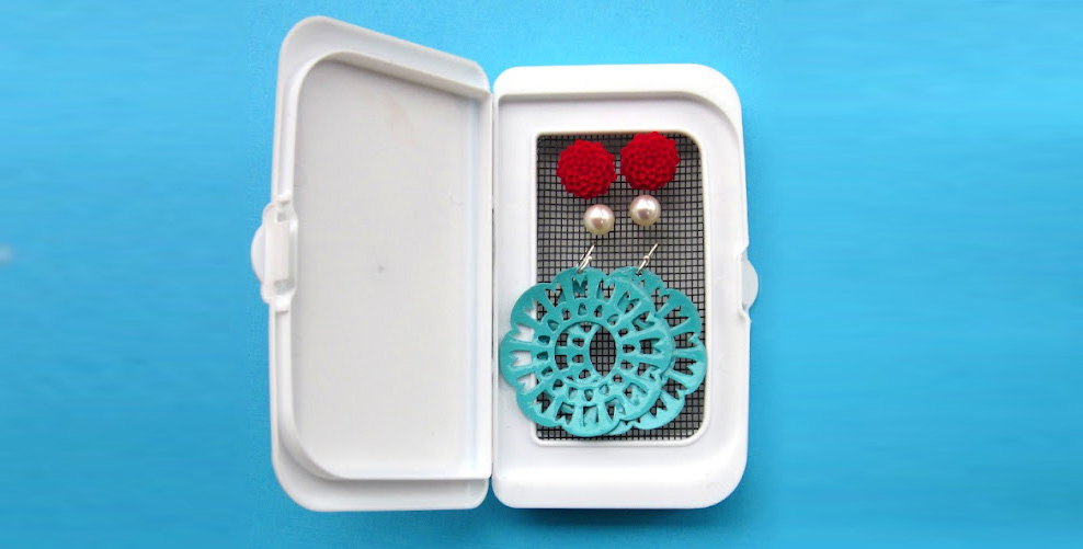 Earring Travel Case from a Baby Wipes Container! » Dollar ... | 988 x 501 jpeg 103kB