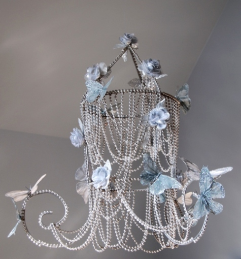 Make a tomato cage chandelier dollar store crafts - Build a chandelier ...