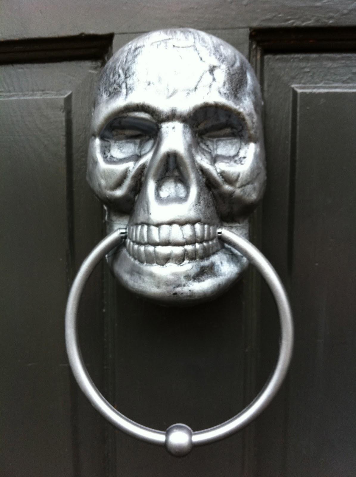 Make A Painted Skull Door Knocker 187 Dollar Store Crafts