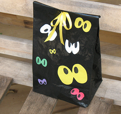 spooky eye lunch sack