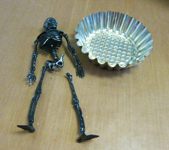 Tutorial:  Bone-Legged Treat Bowls (dollarstorecrafts.com)