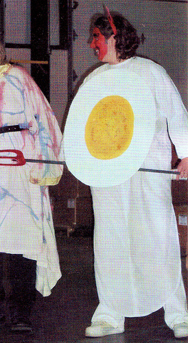 Deviled Egg Halloween Costume (via dollarstorecrafts.com)