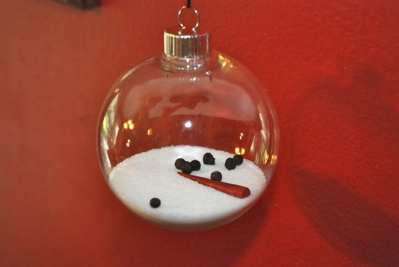 Make a melted snowman ornament (via dollarstorecrafts.com)