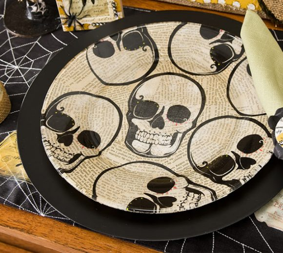 Make a Halloween skull plate using napkins