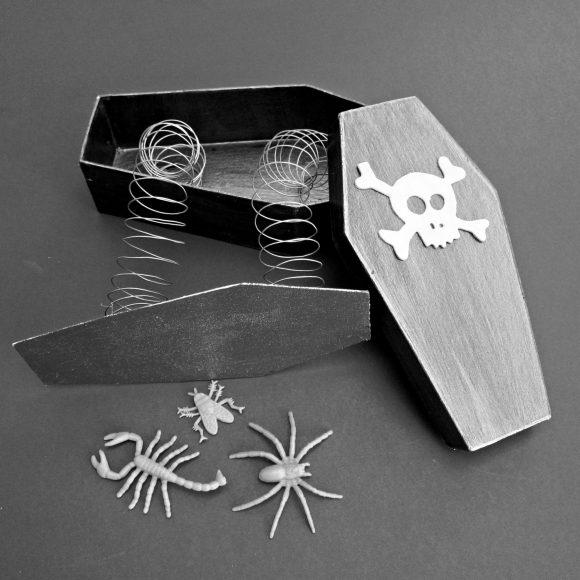 coffin trick box halloween