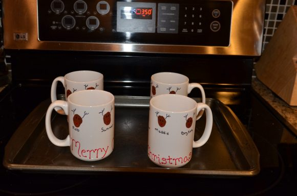 Tutorial: Reindeer thumbprint coffee mugs