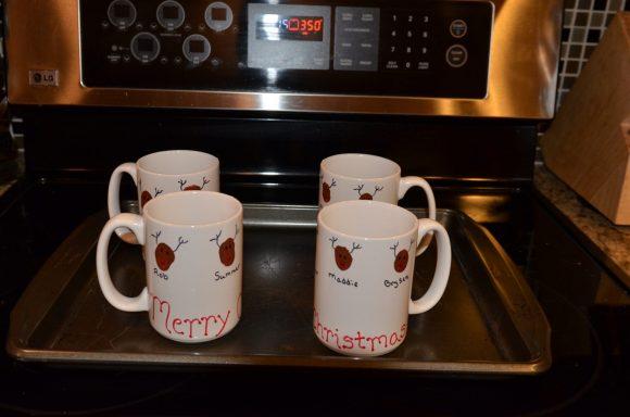 Tutorial: Reindeer thumbprint coffee mugs