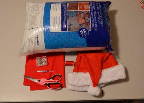 Tutorial: Santa Hat Accent Pillow (via dollarstorecrafts.com)