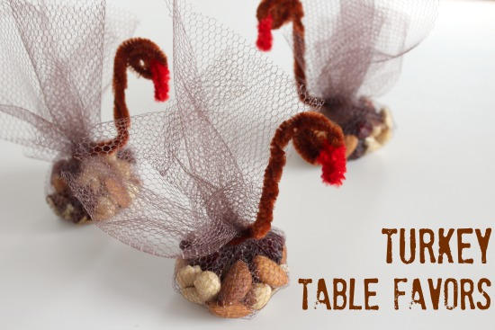 Turkey table favors for Thanksgiving (via dollarstorecrafts.com)
