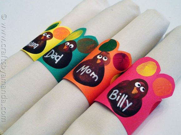 Fingerprint turkey napkin rings (via dollarstorecrafts.com)