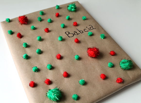 pom pom gift wrap with craft paper