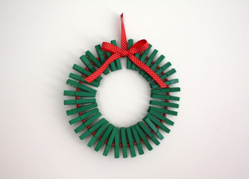 Make a Clothespin Christmas Wreath (via dollarstorecrafts.com)