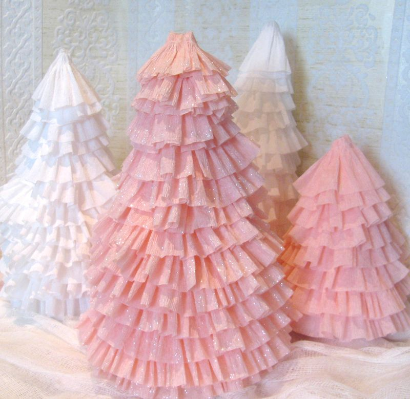 Make Crepe Paper Christmas Trees » Dollar Store Crafts