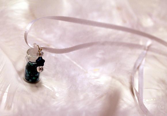 pixie dust glitter necklace blue