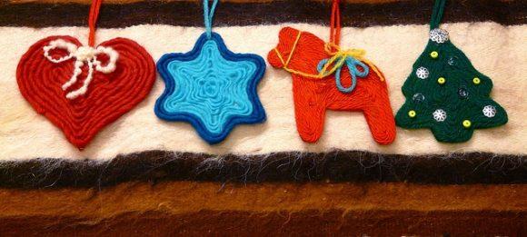 Make CoiledYarn Christmas Ornaments (via dollarstorecrafts.com)