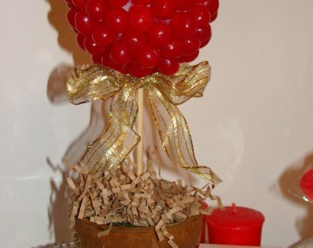 Make a Valentine's Day Candy Topiary