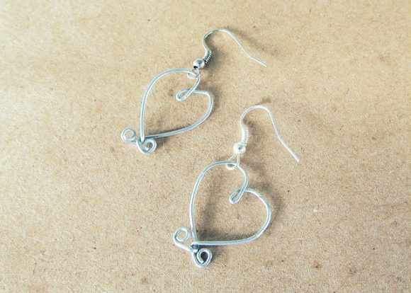 floral wire heart earrings