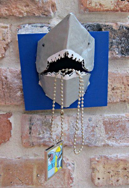 #D Shark Necklace Holder