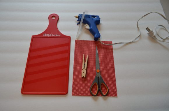 Tutorial:  Cutting Board Clipboard